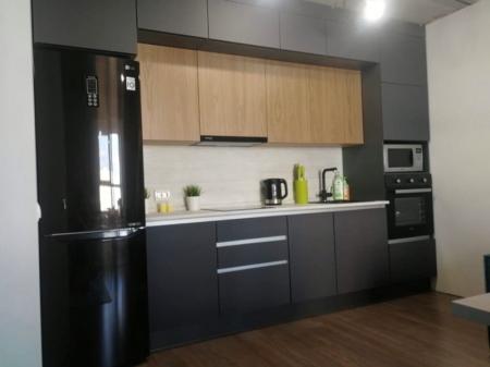 Кухонный гарнитур Графит/Шпон дуб структурный